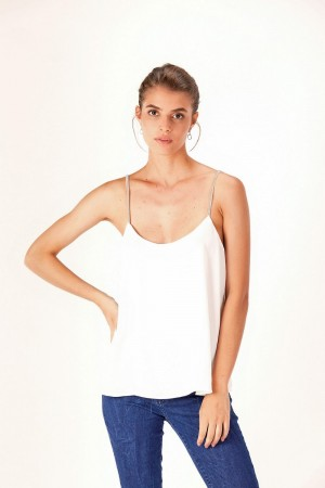BLUSA TOP CON GALON EN BRETEL